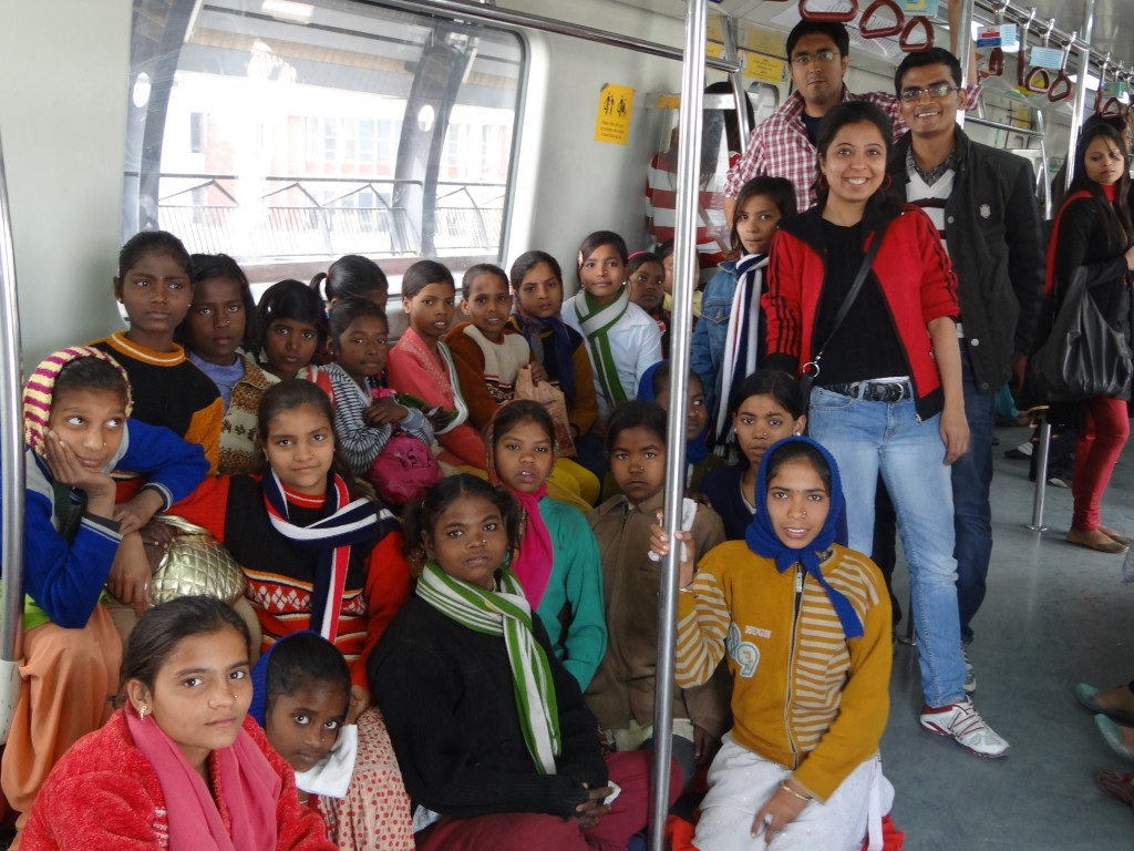 Pick a Fight Delhi team with kids from the NGO Protsahan aboard the metro on a pic to the Delhi Zoo we organized