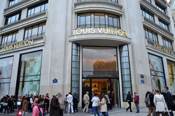 A queue outside the Louis Vuitton store